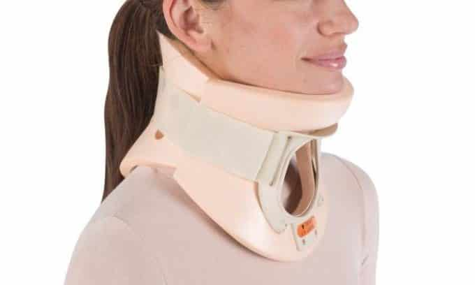 Чаще всего травма шеи провоцирует развитие паращитовидной аденомы