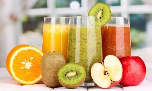 Выводить токсичные вещества, которые образуются в организме при некорректной работе щитовидки, помогают антиоксиданты, содержащиеся в соках