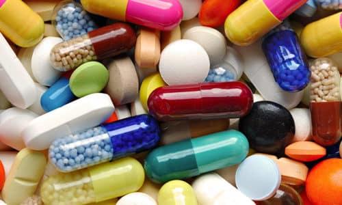 Если клинико-гормональный дисбаланс усугубляется, врач назначает консервативное лечение с применением медикаментов