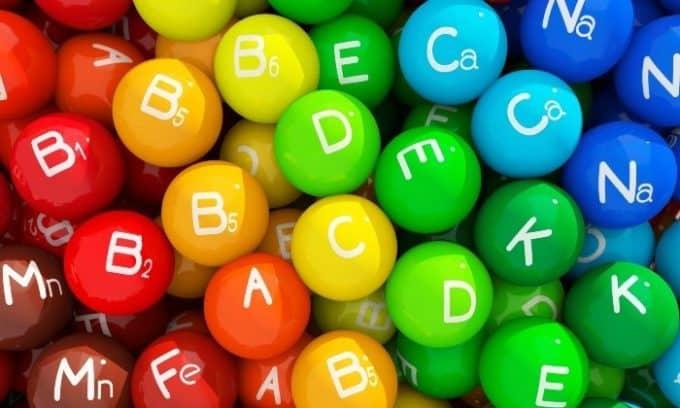 Для общего укрепления организма назначается витаминотерапия