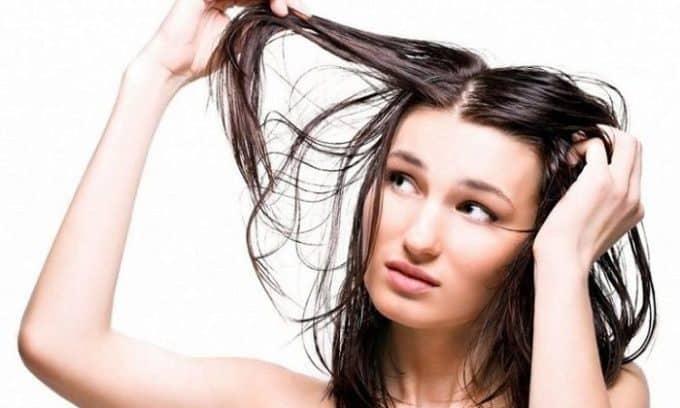 Если у больного беспричинно начали выпадать волосы, то это также является показанием к ультразвуковому исследованию щитовидной железы