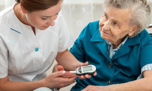 Чрезмерное употребление препаратов, содержащих йод, у пожилых пациентов может вызвать развитие гиперкалиемии