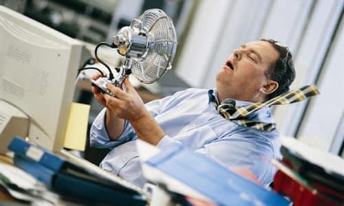 Люди с опухолями щитовидной железы более комфортно ощущают себя в зимнее время, летом они начинают задыхаться