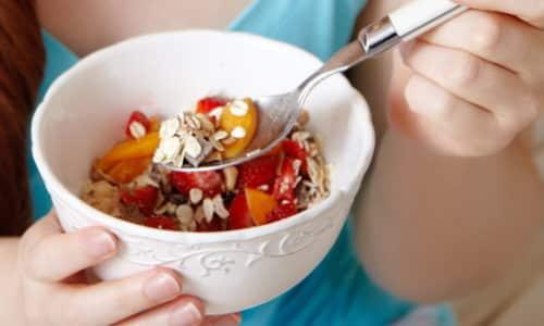 Количество калорий в сутки не должно быть ниже 2000 кКал. Снижение калорийности может привести к обострению тиреоидита
