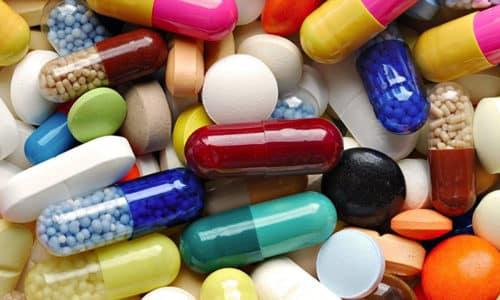 Лекарственные средства, направленные на уменьшение выработки гормонов щитовидной железы, могут назначаться детям, подросткам и взрослым людям