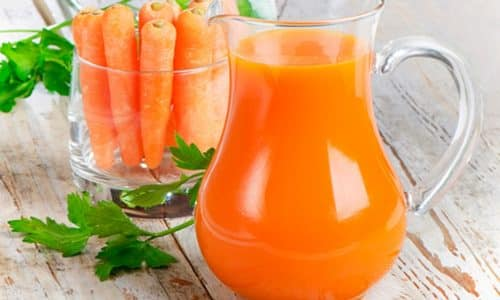 Необходимо пить больше жидкости, полезен сок из моркови