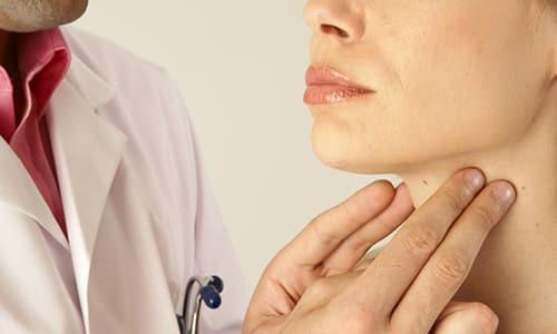 Вторичный гипотиреоз характеризуется недостатком в организме тиреоидных гормонов, которые щитовидная железа вырабатывает под влиянием команд, поступающих из гипофиза