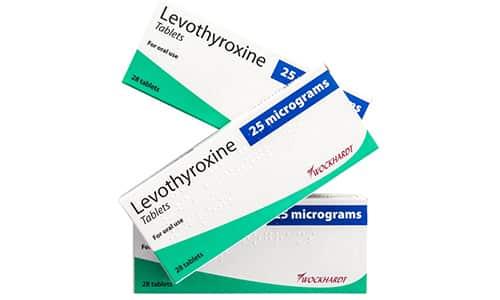 При зобе, развивающемся на фоне гипотиреоза, применяют тиреоидные средства такие как Левотироксин