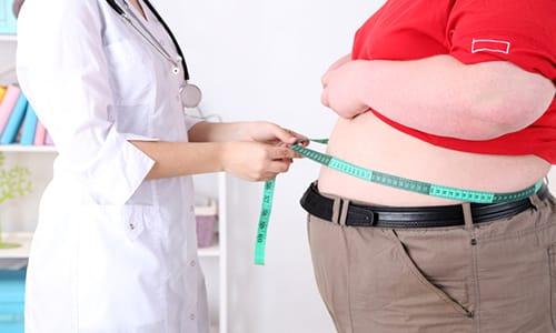 Повышенное содержание тироксина называют гипертиреозом, к нему приводит избыточная масса тела (ожирение)