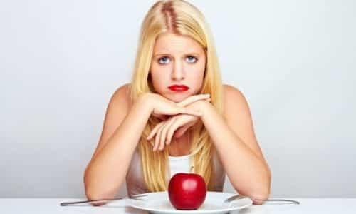 При наличии крупных горячих новообразований, приводящих к развитию гипотиреоза, у человека снижается аппетит
