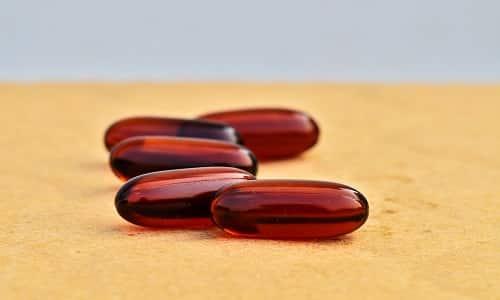 Лекарственное средство выпускается в виде твердых непрозрачных капсул коричнево-красного окраса