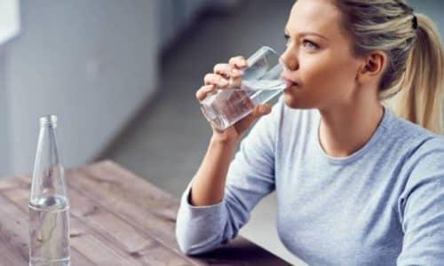 Препарат, предназначенный для перорального приема, необходимо растворять в стакане воды