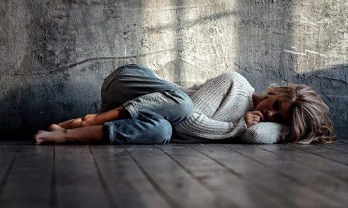 Дефицит фолиевой кислоты сказывается также на психическом состоянии - возникает депрессия