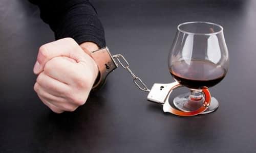 Кроме того, В1 прописывают при лечении алкоголизма