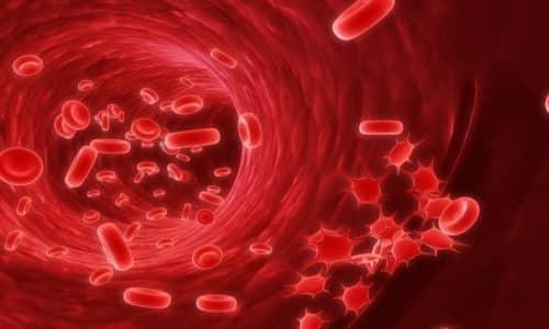 Фармакологическое действие основано на подавлении функции лейкоцитов, ограничении их подвижности, в частности, при миграции по направлению к очагу воспаления