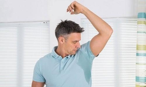 Симптомы превышения дозы аналогичны тем, которые проявляются при тиреотоксикозе. Например, повышается потливость