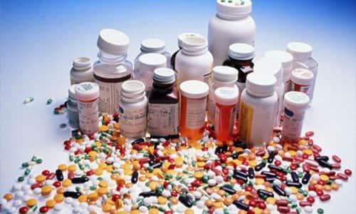 Во время применения средств, в которых имеются соли лития, повышается риск формирования зоба и других патологий ЩЖ