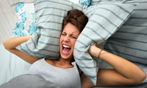 При поступлении в организм токоферола может наблюдаться нарушение гормонального фона