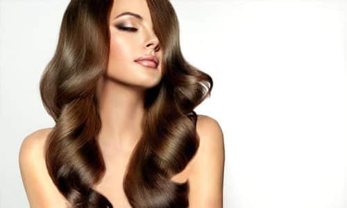 Токоферол в форме масляного раствора используют для лечения волос
