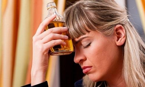Медикамент Новопассит, в который входит гвайфенезин, применяют при борьбе с алкогольной зависимостью