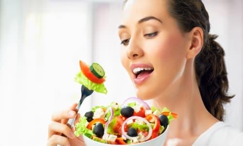 Пища не оказывает воздействия на абсорбцию и биодоступность активного компонента