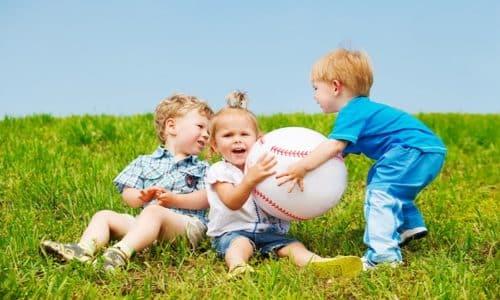 Диклофенак противопоказан детям до 6 лет, а Мелоксикам не назначают до 12 лет