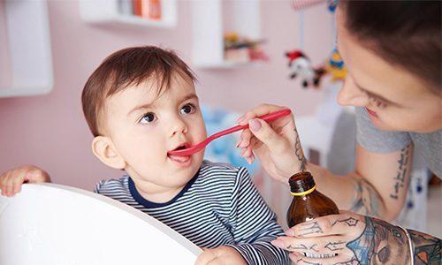 С 2-12 лет Гвайфенезин применяют с осторожностью и под наблюдением врача