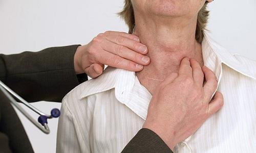 Пациенты, у которых диагностирован гипотиреоз, на постоянной основе наблюдаются у эндокринолога