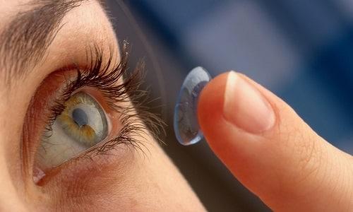 Не рекомендуется носить контактные линзы во время применения Дексаметазона